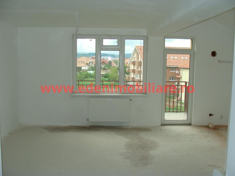 Apartament 4 camere de vanzare in Cluj, zona Floresti, 58900 eur