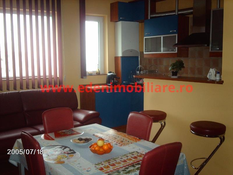 Apartament 4 camere de vanzare in Cluj, zona Manastur, 96000 eur