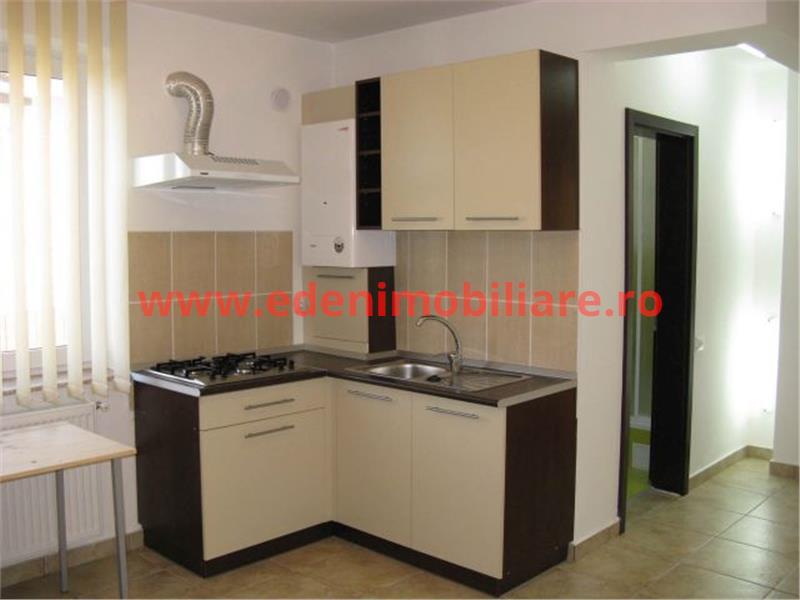 Apartament 4 camere de inchiriat in Cluj, zona Andrei Muresanu, 600 eur