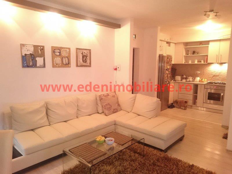 Apartament 3 camere de vanzare in Cluj, zona Floresti, 55000 eur