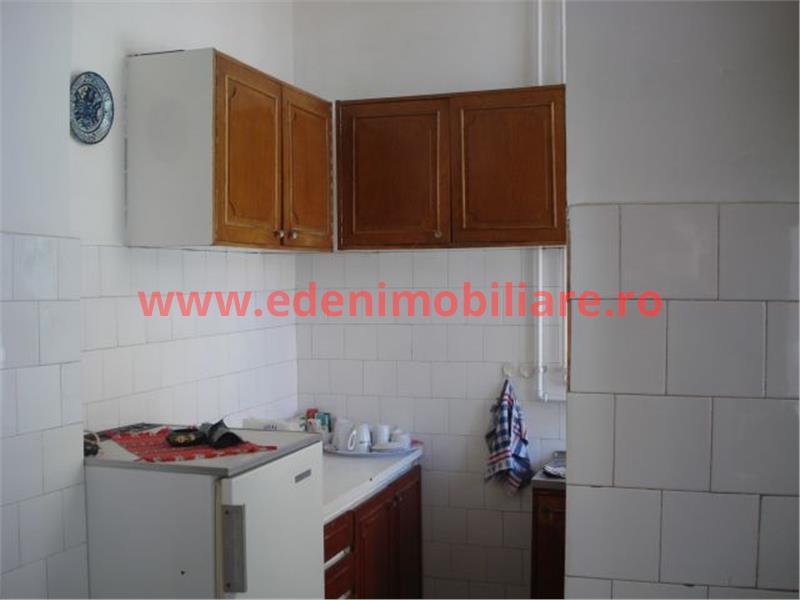 Apartament 4 camere de vanzare in Cluj, zona Centru, 180000 eur