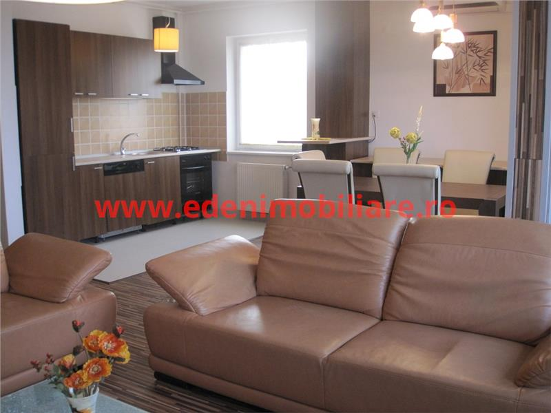 Apartament 5 camere de inchiriat in Cluj, zona Andrei Muresanu, 1100 eur
