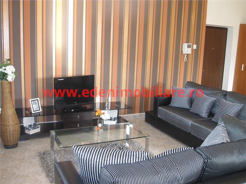Apartament 3 camere de inchiriat in Cluj, zona Andrei Muresanu, 750 eur