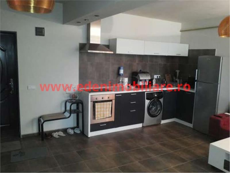 Inchiriere apartament 3 camere in Cluj, zona Calea Turzii, 400 eur