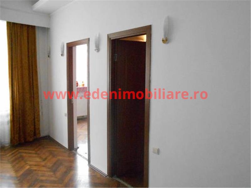 Apartament 4 camere de vanzare in Cluj, zona Centru, 120000 eur