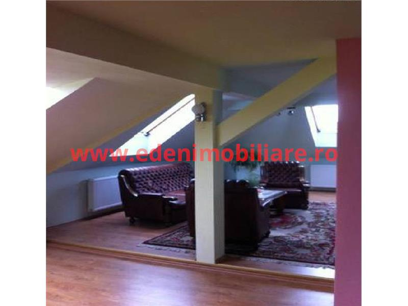 Apartament 5 camere de vanzare in Cluj, zona Semicentral, 89000 eur
