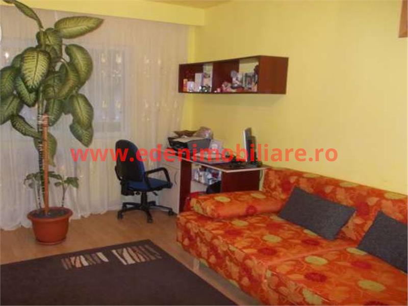 Apartament 3 camere de vanzare in Cluj, zona Manastur, 92000 eur