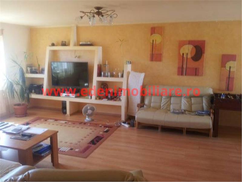 Apartament 4 camere de vanzare in Cluj, zona Borhanci, 156000 eur