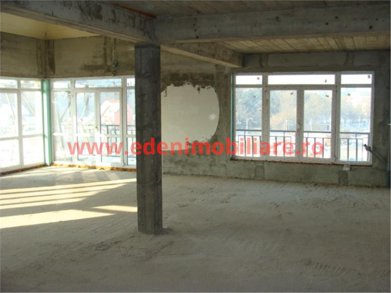 Apartament 5 camere de vanzare in Cluj, zona Gheorgheni, 130000 eur