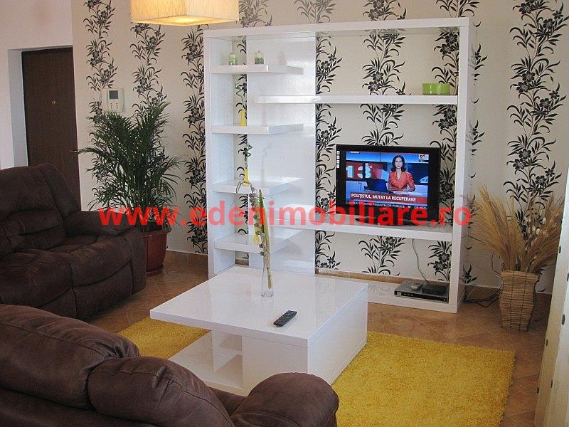 Apartament 3 camere de vanzare in Cluj, zona Andrei Muresanu, 150000 eur