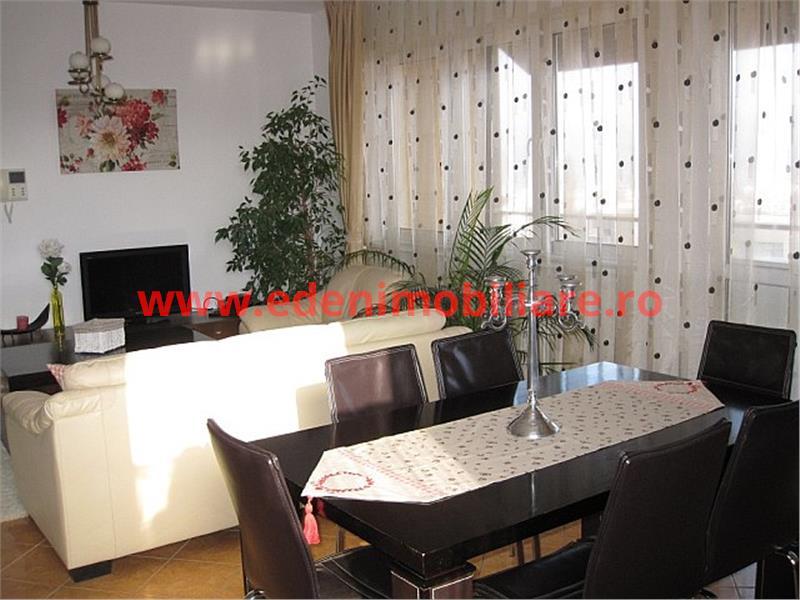 Apartament 4 camere de inchiriat in Cluj, zona Andrei Muresanu, 1100 eur