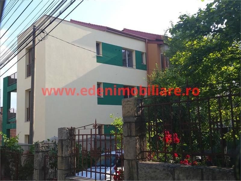 Apartament 3 camere de vanzare in Cluj, zona Grigorescu, 250000 eur