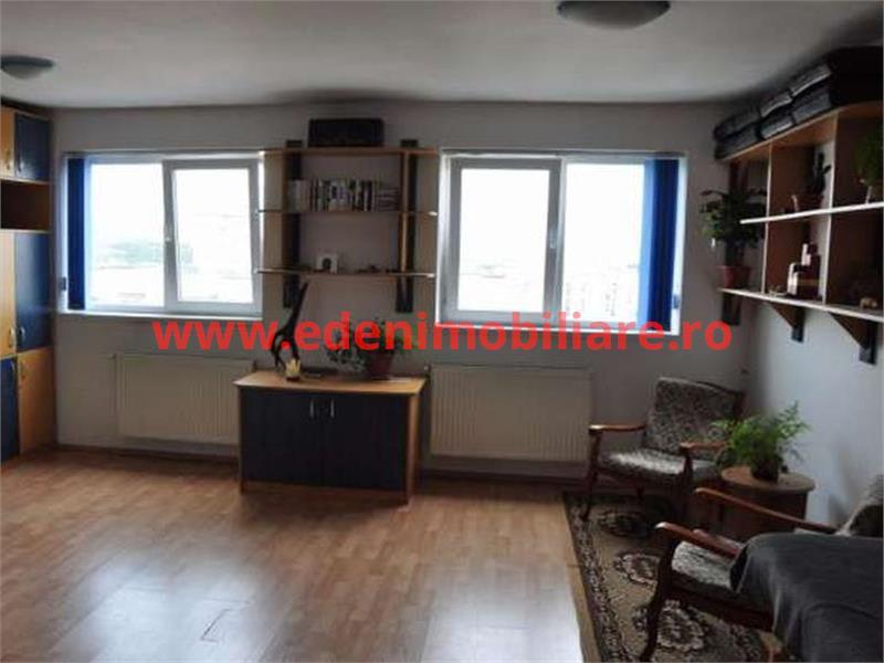 Apartament 3 camere de vanzare in Cluj, zona Manastur, 72000 eur