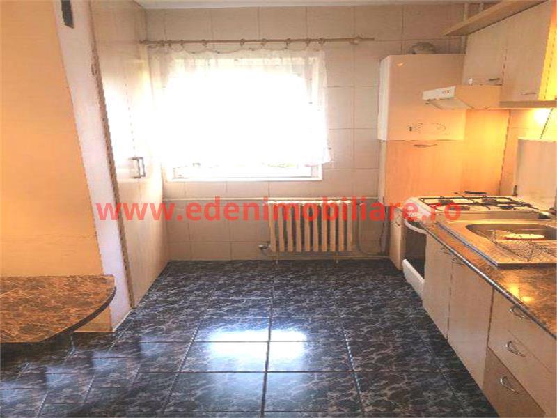 Apartament 4 camere de vanzare in Cluj, zona Marasti, 79000 eur