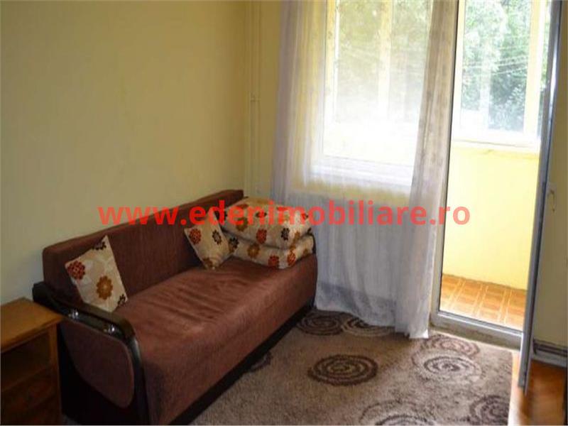 Apartament 3 camere de vanzare in Cluj, zona Manastur, 70000 eur