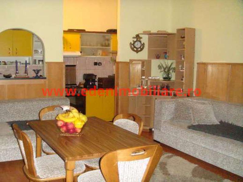 Apartament 4 camere de vanzare in Cluj, zona Centru, 190000 eur