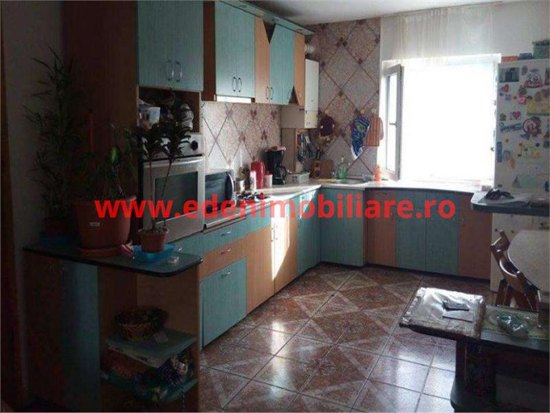 Apartament 4 camere de vanzare in Cluj, zona Manastur, 97000 eur