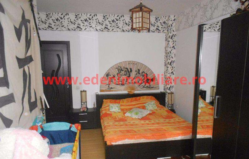 Apartament 3 camere de vanzare in Cluj, zona Marasti, 120000 eur