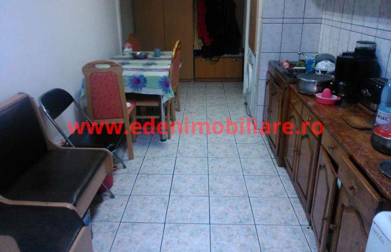 Apartament 4 camere de vanzare in Cluj, zona Manastur, 66000 eur