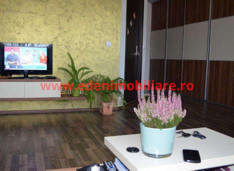 Apartament 3 camere de vanzare in Cluj, zona Floresti, 47500 eur