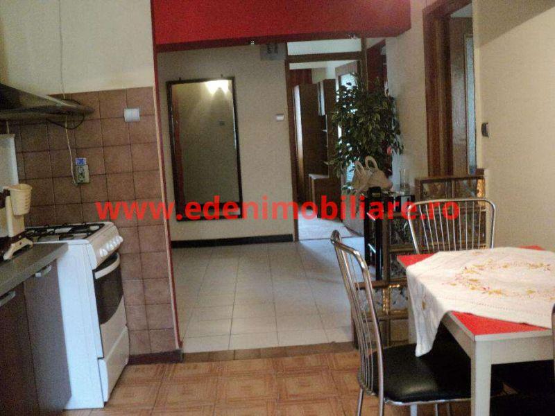 Apartament 4 camere de vanzare in Cluj, zona Zorilor, 110000 eur