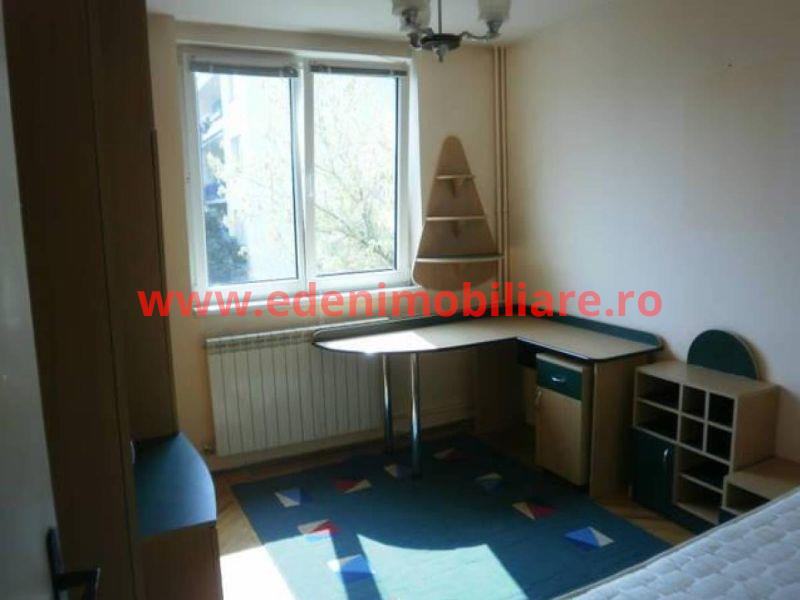 Apartament 3 camere de vanzare in Cluj, zona Grigorescu, 72000 eur