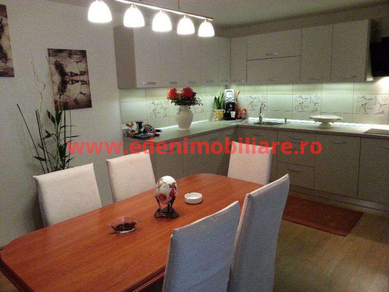 Apartament 4 camere de vanzare in Cluj, zona Manastur, 170000 eur