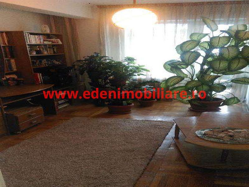 Apartament 3 camere de vanzare in Cluj, zona Centru, 130000 eur