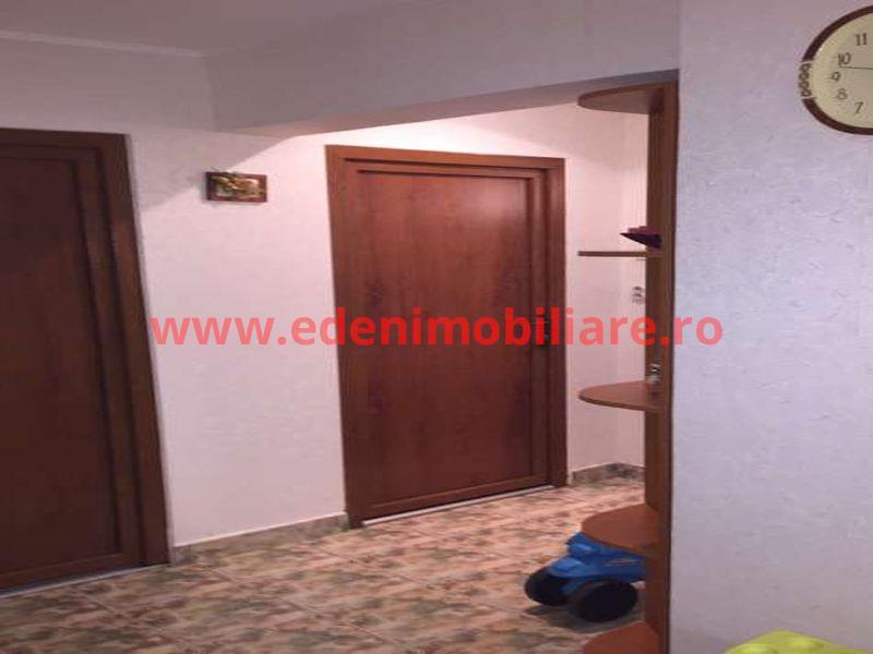 Apartament 3 camere de vanzare in Cluj, zona Manastur, 73000 eur