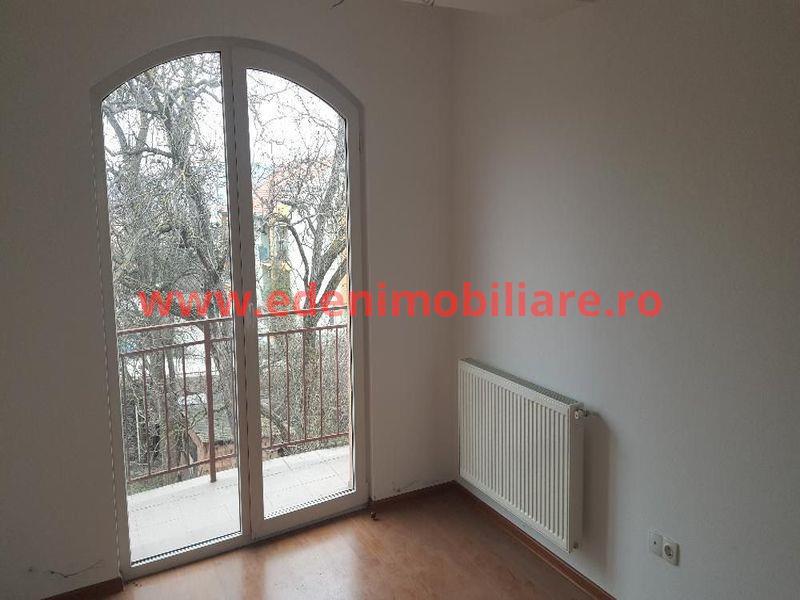 Apartament 4 camere de vanzare in Cluj, zona Andrei Muresanu, 81900 eur