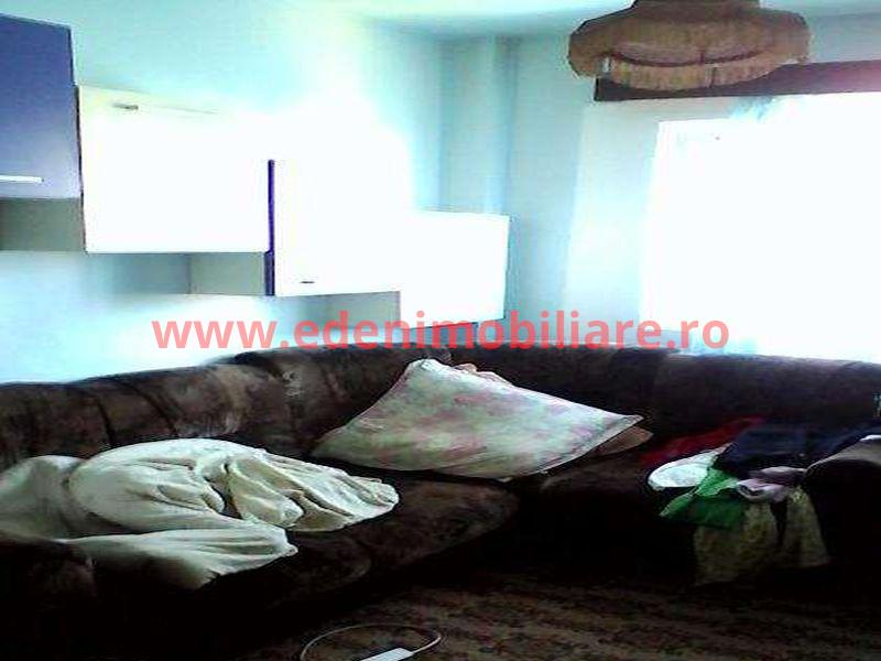 Apartament 3 camere de vanzare in Cluj, zona Marasti, 72000 eur