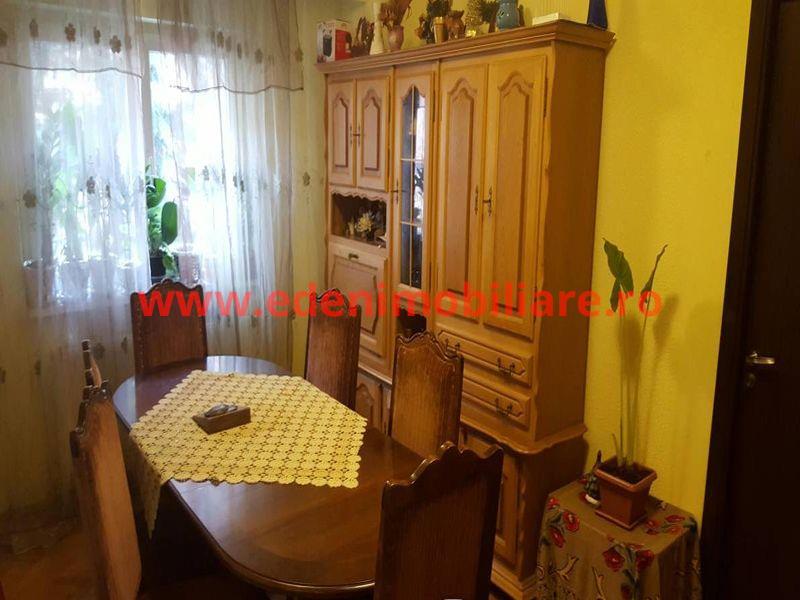 Apartament 4 camere de vanzare in Cluj, zona Zorilor, 99000 eur
