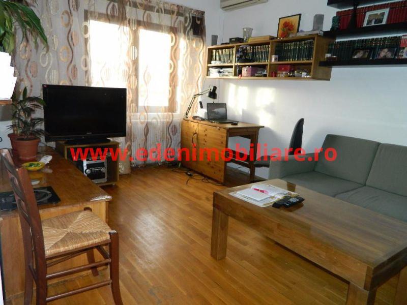 Apartament 3 camere de vanzare in Cluj, zona Centru, 122000 eur