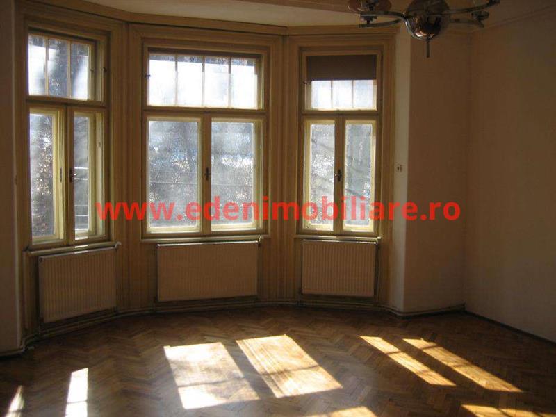 Apartament 4 camere de inchiriat in Cluj, zona Centru, 850 eur