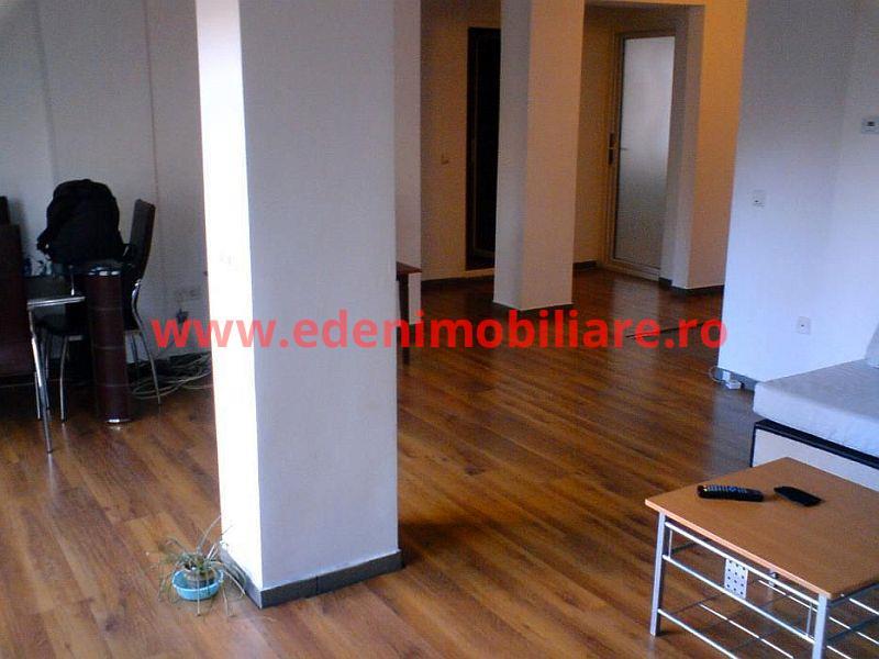 Apartament 3 camere de inchiriat in Cluj, zona Manastur, 430 eur