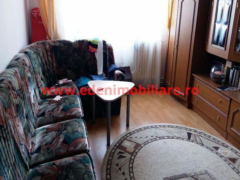 Apartament 4 camere de vanzare in Cluj, zona Zorilor, 98000 eur