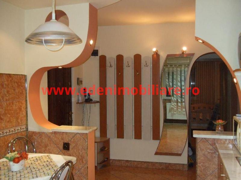 Apartament 3 camere de vanzare in Cluj, zona Zorilor, 85000 eur