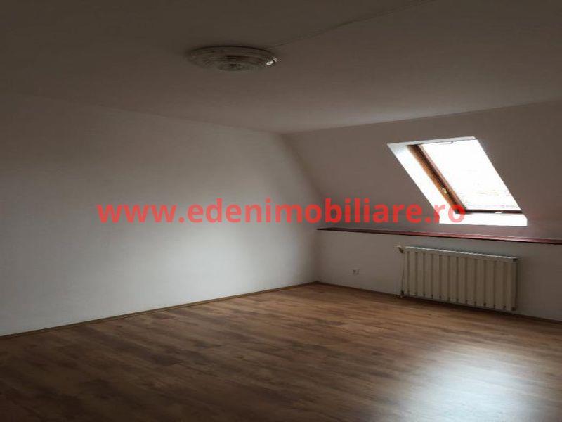 Apartament 4 camere de vanzare in Cluj, zona Centru, 132000 eur