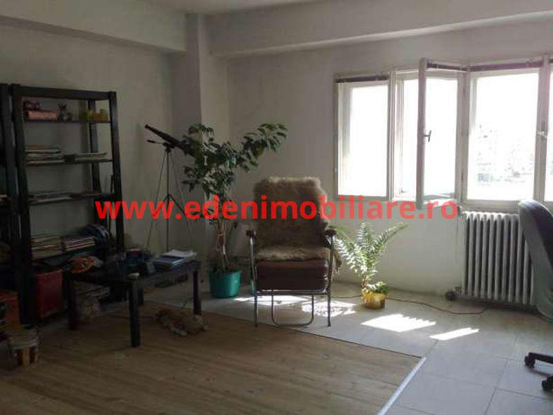 Apartament 3 camere de vanzare in Cluj, zona Manastur, 84000 eur
