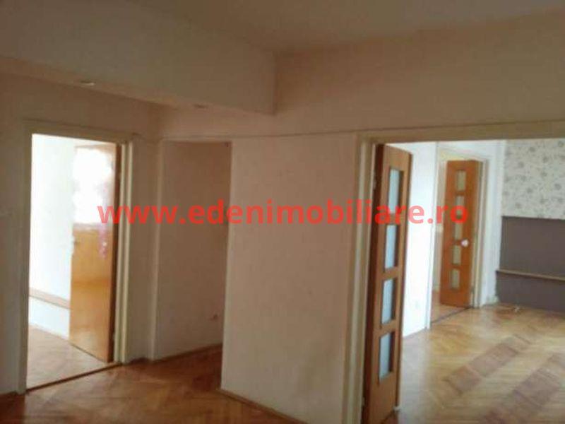 Apartament 4 camere de vanzare in Cluj, zona Zorilor, 120000 eur