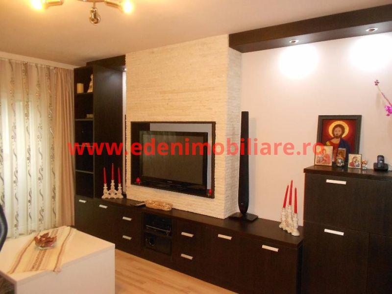 Apartament 3 camere de vanzare in Cluj, zona Marasti, 84000 eur