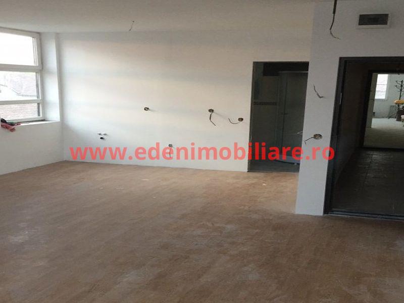 Apartament 3 camere de vanzare in Cluj, zona Marasti, 69000 eur