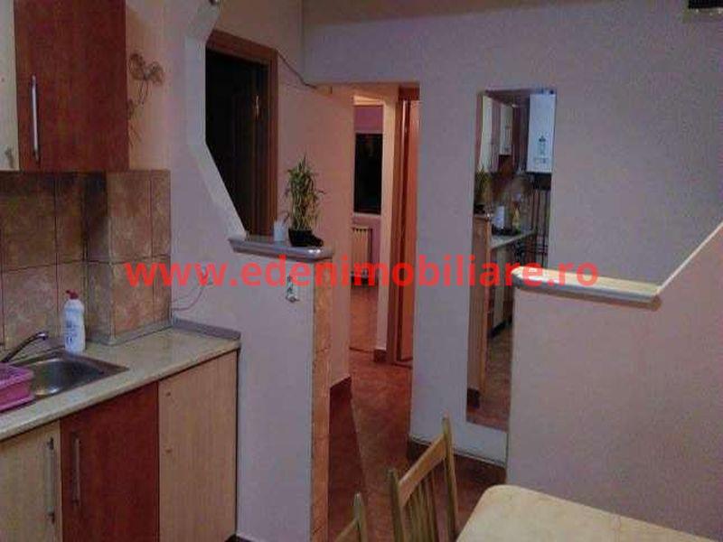 Apartament 3 camere de vanzare in Cluj, zona Plopilor, 120000 eur