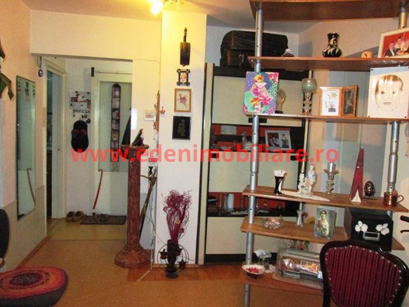 Apartament 4 camere de vanzare in Cluj, zona Manastur, 76000 eur