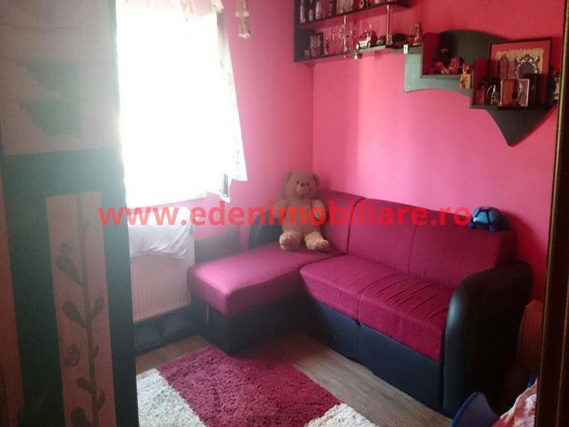 Apartament 4 camere de vanzare in Cluj, zona Zorilor, 95000 eur