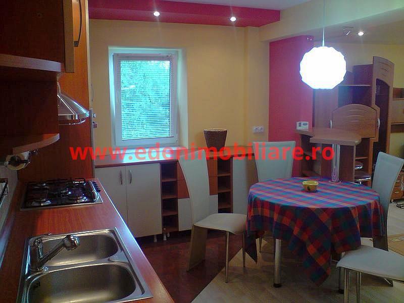 Apartament 3 camere de inchiriat in Cluj, zona Plopilor, 500 eur