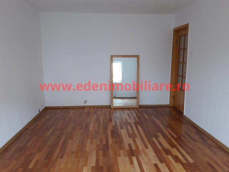 Apartament 3 camere de vanzare in Cluj, zona Grigorescu, 86500 eur