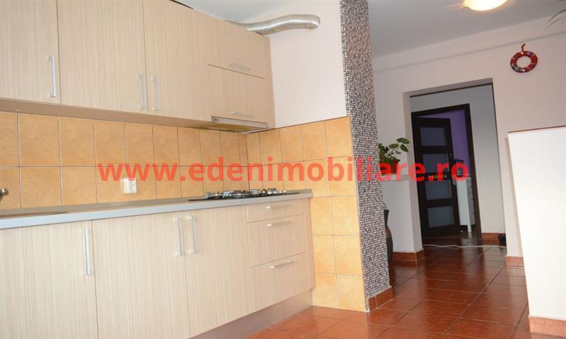 Apartament 3 camere de vanzare in Cluj, zona Marasti, 140000 eur