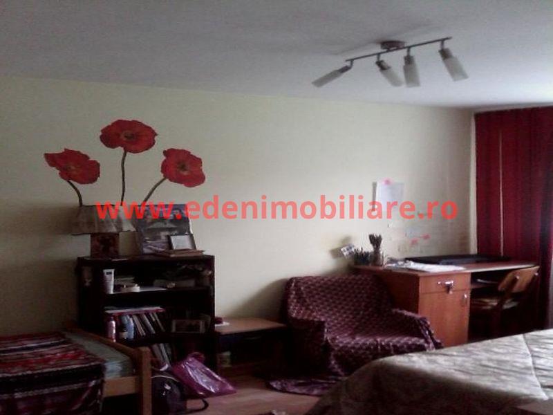 Apartament 3 camere de vanzare in Cluj, zona Zorilor, 78000 eur