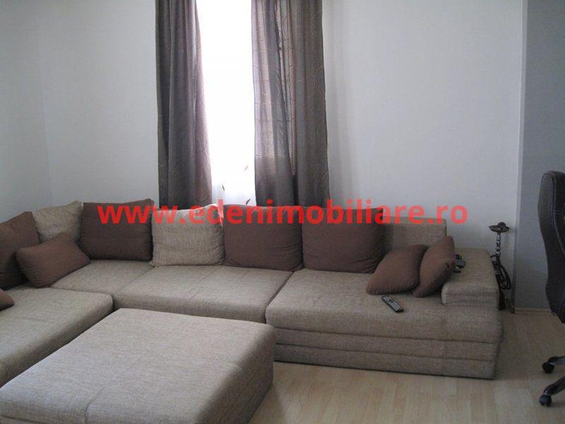 Apartament 3 camere de vanzare in Cluj, zona Manastur, 89900 eur